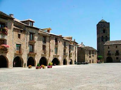 TURISMO VERDE HUESCA. Ainsa, declarado conjunto histórico artístico